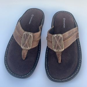 NWOT Rockport Leather Sandals 7.5 cushion insoles